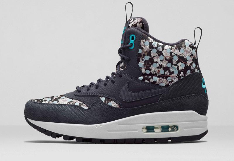 c9d7e0d24cc Nike x Liberty — dámské sportovní boty a oblečení se vzory