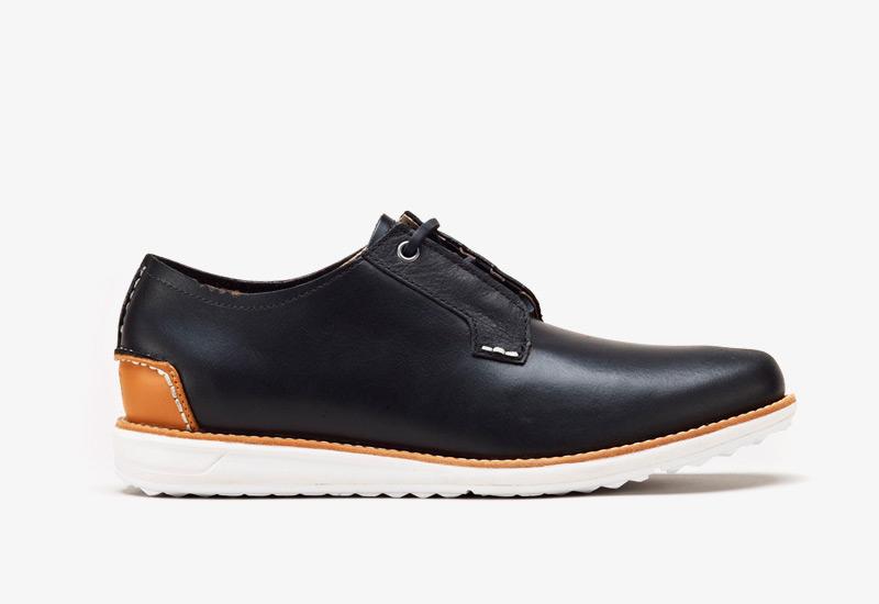 Pánské nízké podzimní boty ohw? – Farrell, černé, kožené | Vycházkové boty