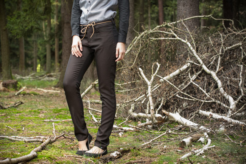 Pattern – dámské slim kalhoty, tmavě hnědé | Dámské oblečení