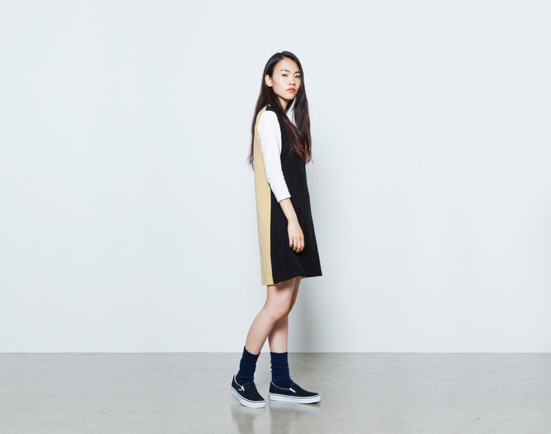 Aloye – dámské černo-béžové šaty, dlouhý rukáv | Japonská móda