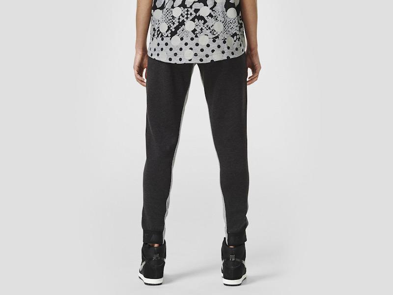 Nike – dámské stylové tepláky, sportovní, černé, běžecké kalhoty | Color Block