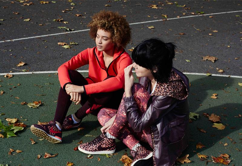 Boty Nike x Liberty – Internationalist, Air Force 1, bunda s kapucí, legíny | Dámské sportovní oblečení, tenisky