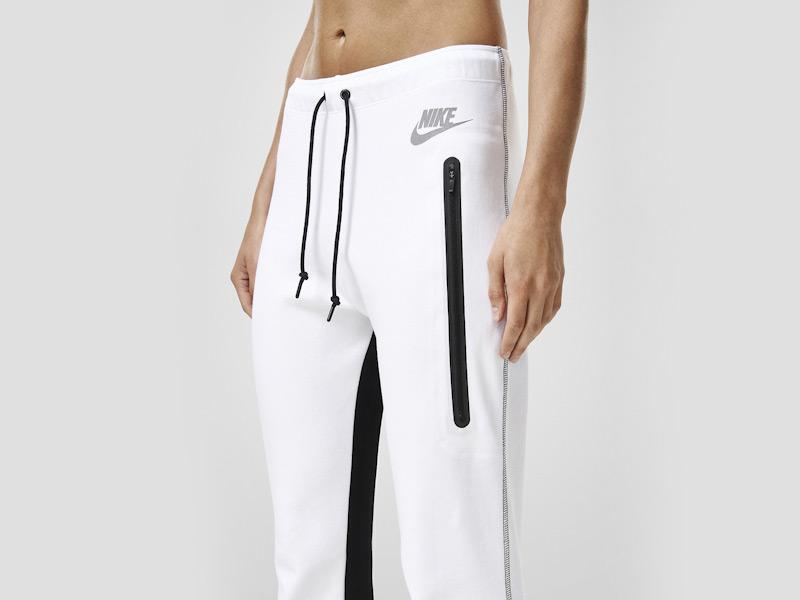 Nike – dámské bílé tepláky, dámské, stylové, sportovní, běžecké kalhoty | Color Block