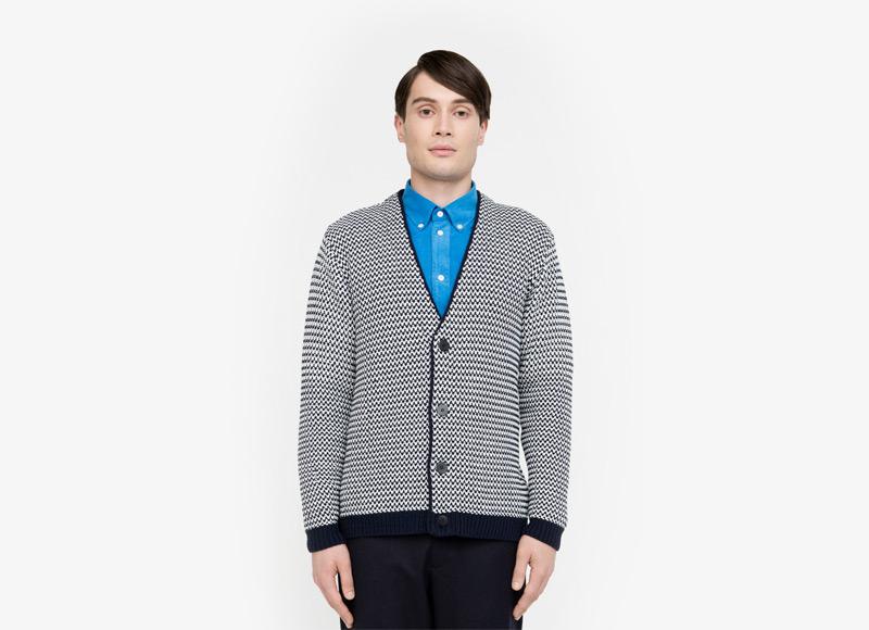 Frisur – pánský svetr s knoflíky, kardigan, cardigan, černobílý vzor | Podzimní a zimní oblečení – pánské