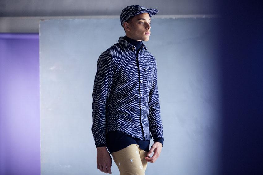 Daily Paper – pánská modrá košile s bílými tečkami, dlouhý rukáv | Pánské podzimní a zimní oblečení