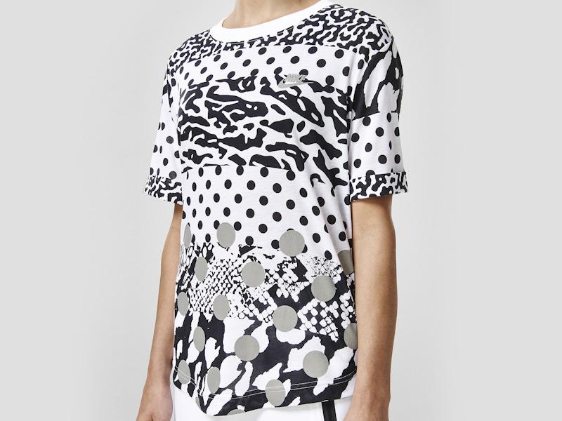 Nike – sportovní tričko, triko, bílé, černé vzory, reflexní prvky | Color Block