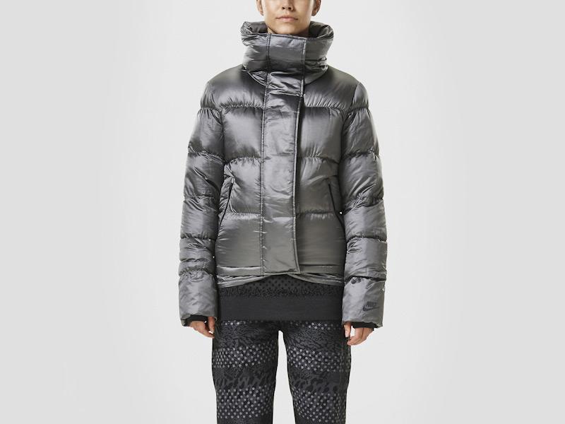 Nike – péřová bunda dámská, prošívaná, šedá, sportovní, zimní bunda | Color Block