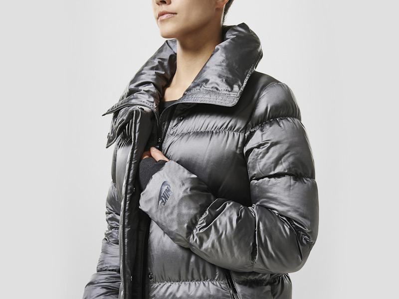 Nike – zimní péřová bunda dámská, prošívaná, šedá, sportovní, zimní bunda | Color Block