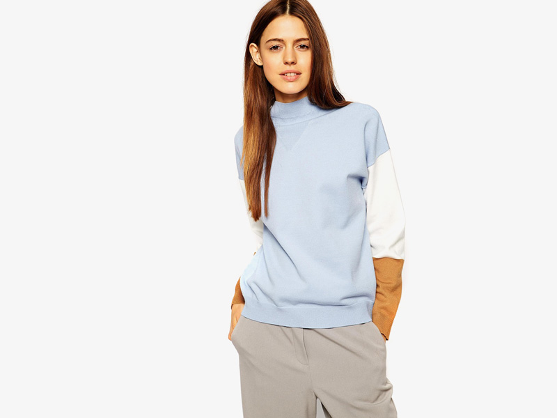 Dámské svetry roláky a pulovry – dámský svetr Asos, rolák, pulovr, modrý, bílo-hnědé rukávy