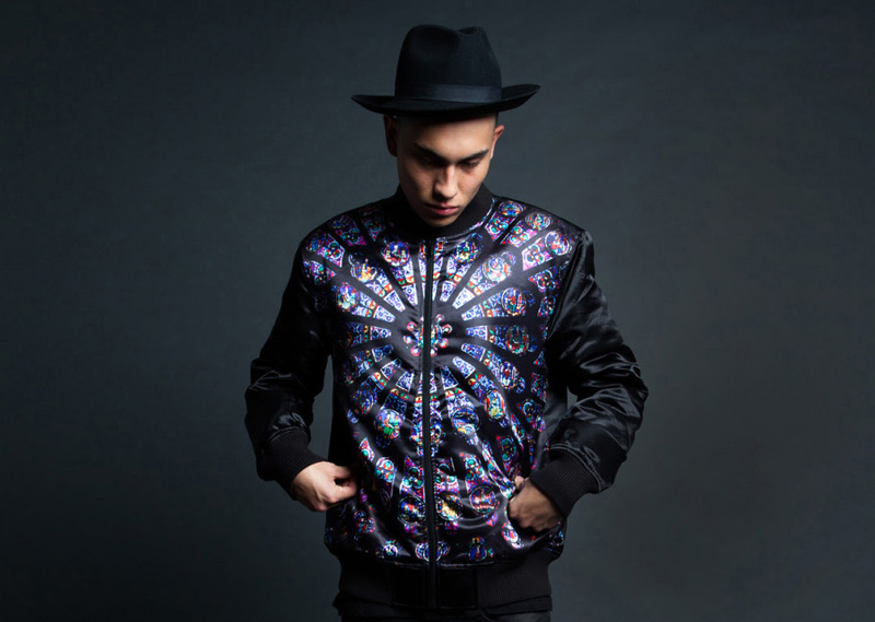 Black Scale – bomber jacket, krátká pánská bunda do pasu, černá, barevný potisk | Pánské značkové oblečení