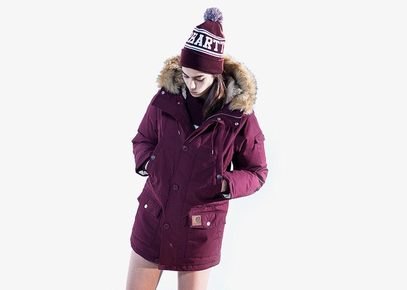 Carhartt WIP – dámská zimní bunda (parka) s kapucí s kožíškem, vínová, bordó, červená | Dámské značkové podzimní/zimní oblečení