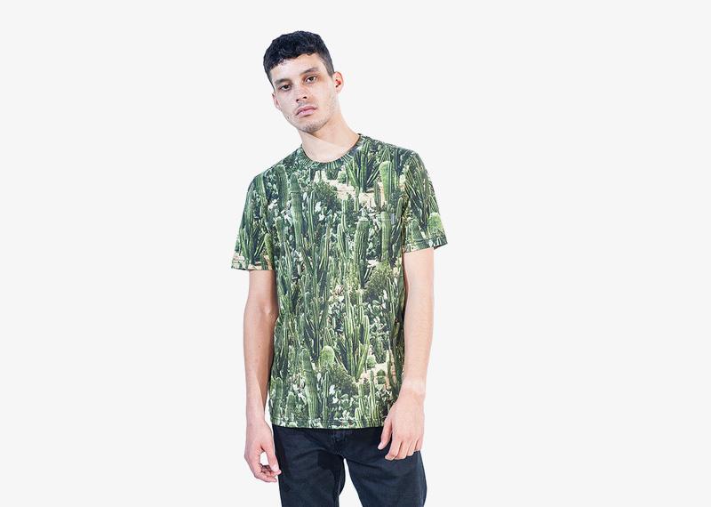 Carhartt WIP – pánské tričko s celopotiskem, motiv kaktusů | Pánské značkové podzimní/zimní oblečení