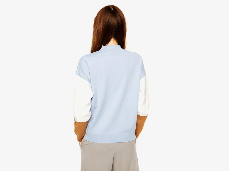 Dámské svetry roláky a pulovry – dámský rolák Asos, svetr, pulovr, modrý, bílo-hnědé rukávy