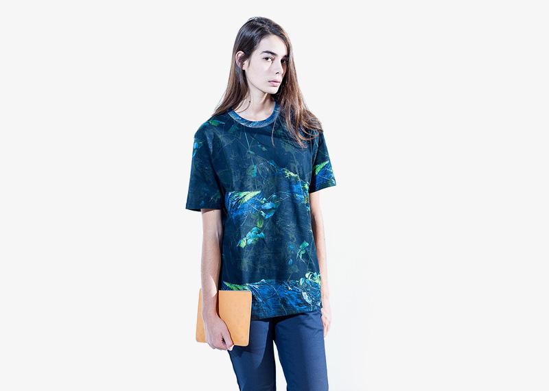 Carhartt WIP – tričko s krátkým rukávem, modré se vzorem | Dámské značkové podzimní/zimní oblečení