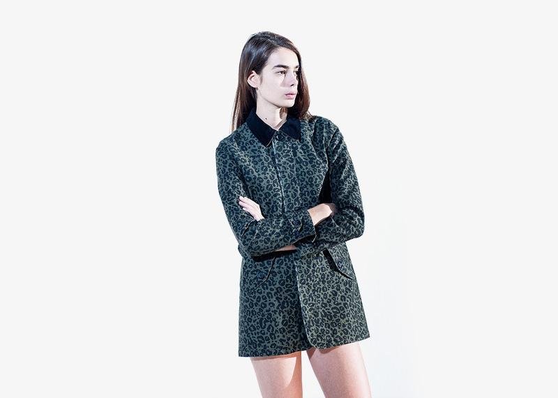 Carhartt WIP – dámská podzimní bunda s límcem, tmavě zelená, lpeopardí vzor, gepardí vzor | Dámské značkové podzimní/zimní oblečení