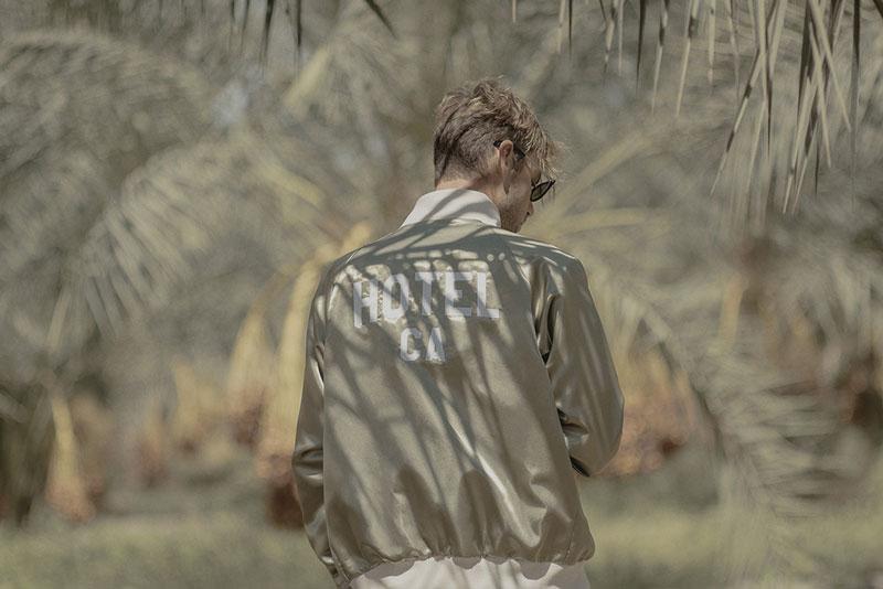 Hotel 1171 – pánská bunda zlaté barvy, bomber jacket | Pánské značkové oblečení