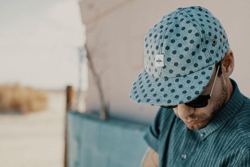 Hotel 1171 – modrá kšiltovka s puntíky | Pánské značkové oblečení