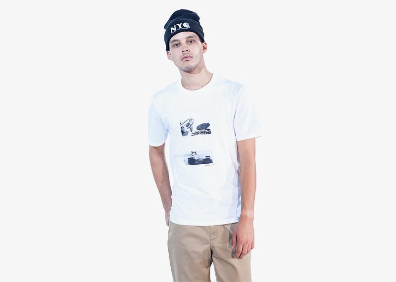 Carhartt WIP – bílé tričko s potiskem | Pánské značkové podzimní/zimní oblečení