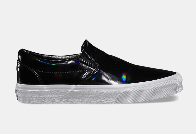 Boty Vans classic Slip On – dámské, černé, lesklé tenisky, sneakers bez tkaniček