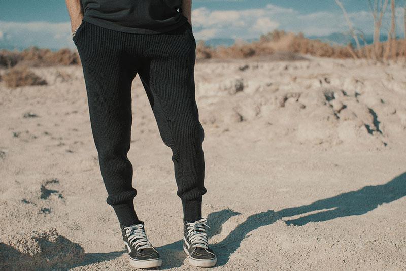 Hotel 1171 – kalhoty joggers s úplety, strukturované, tepláky, černé | Pánské značkové oblečení