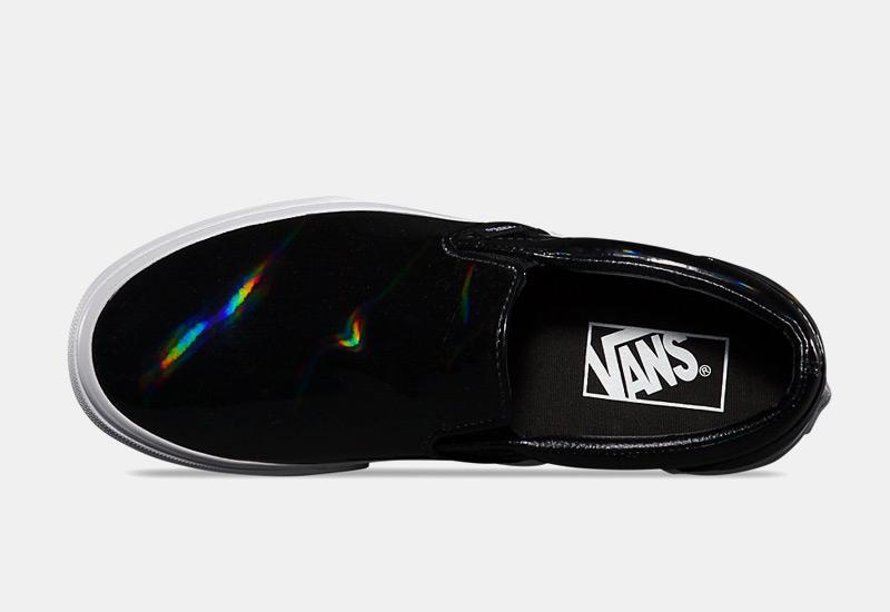 Boty Vans classic Slip On – černé, dámské, lesklé tenisky bez tkaniček, sneakers