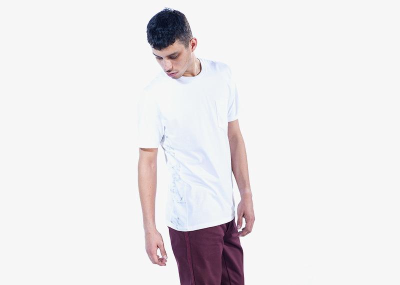 Carhartt WIP – bílé tričko s kapsičkou, pánské | Pánské značkové podzimní/zimní oblečení