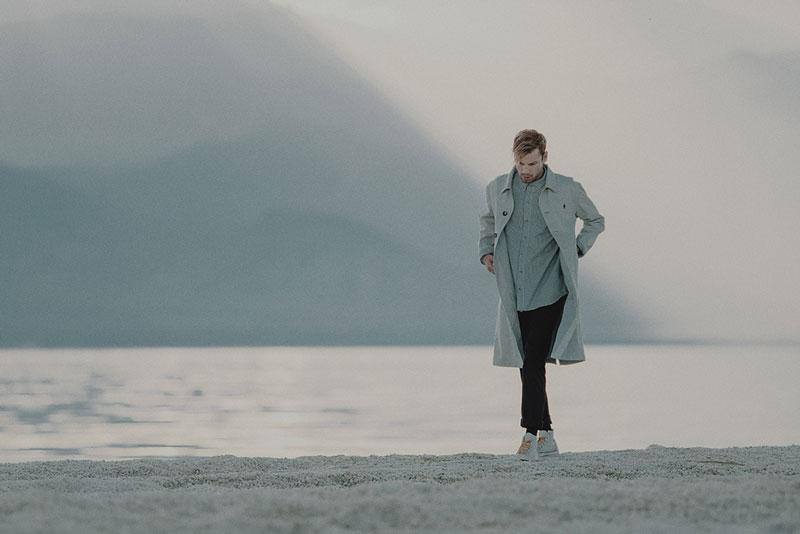 Hotel 1171 – pánský šedý dlouhý kabát | Pánské značkové oblečení