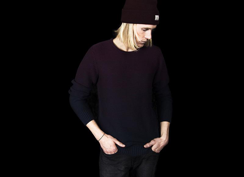 RVLT (Revolution) – svetr černý, tmavě vínový, barevný přechod | Pánské značkové oblečení, móda