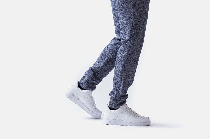 Unyforme – stylové modré tepláky s texturou | Pánské značkové oblečení