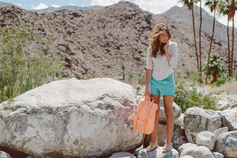 Batohy Herschel Supply – lookbook – jaro 2015, Little America Backpack, meruňková barva