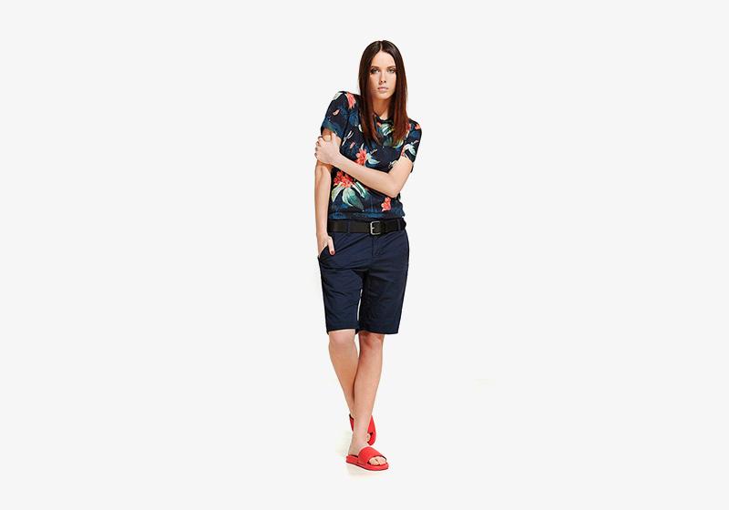 Carhartt WIP – modré tričko s květinovým vzorem – dámské, modré šortky, kraťasy