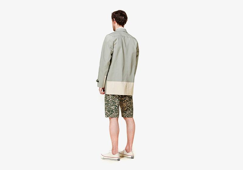 Carhartt WIP – pánská bledě zelená bunda, maskáčové šortky (kraťasy)