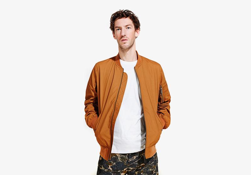 Carhartt WIP – světle hnědý bomber (krátká bunda do pasu) – pánský