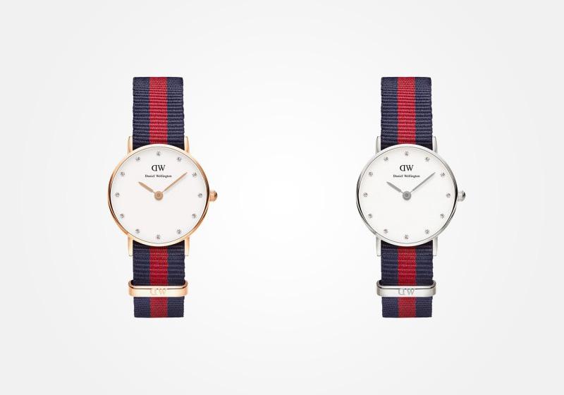 Daniel Wellington – dámské hodinky, náramkové, elegantní – Classy Oxford Lady – modro-červený textilní NATO náramek, bílý ciferník s kamínky