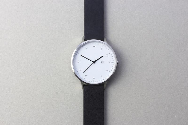 Instrmnt — dámské a pánské hodinky — elegantní, náramkové, černý náramek, bílý ciferník