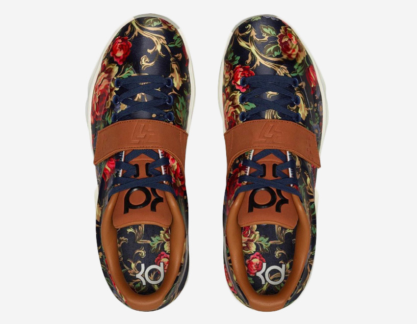 Nike KD 7 EXT Floral – basketbalové boty, Kevin Durant, modré, květinový vzor, saténový svršek