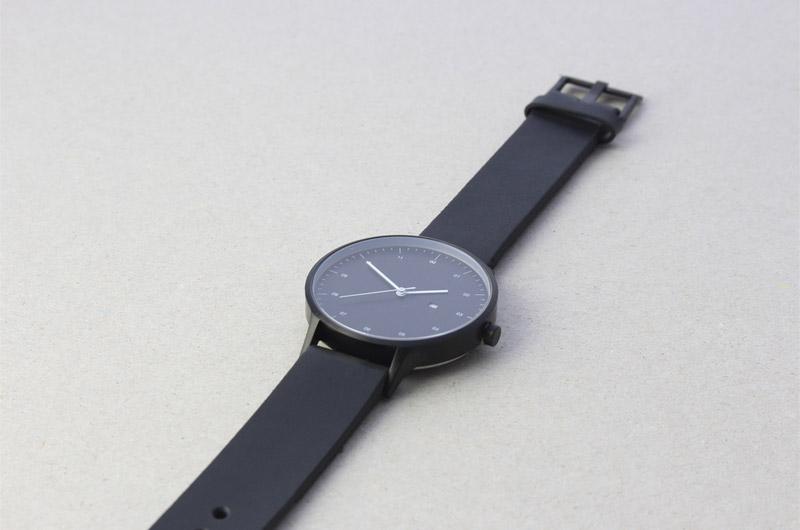 Instrmnt — elegantní náramkové hodinky — dámské a pánské — černé