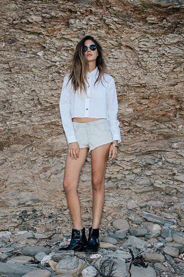 Obey – dámská krátká košile do pasu – bílá, s dlouhým rukávem | jarní oblečení – dámské