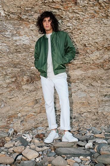 Obey – zelený pánský bomber, bílé kalhoty