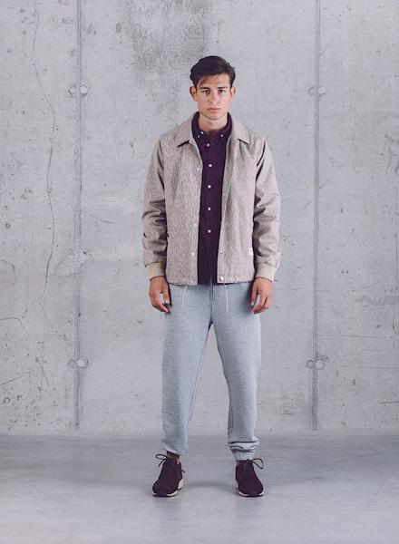 Wemoto – pánská jarní bunda – béžová, šedé tepláky – pánské – jaro/léto 2015