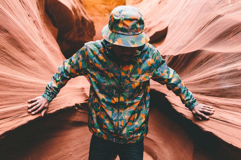 LRG – barevná jarní bunda, pánská, větrovka, klobouk – jaro 2015