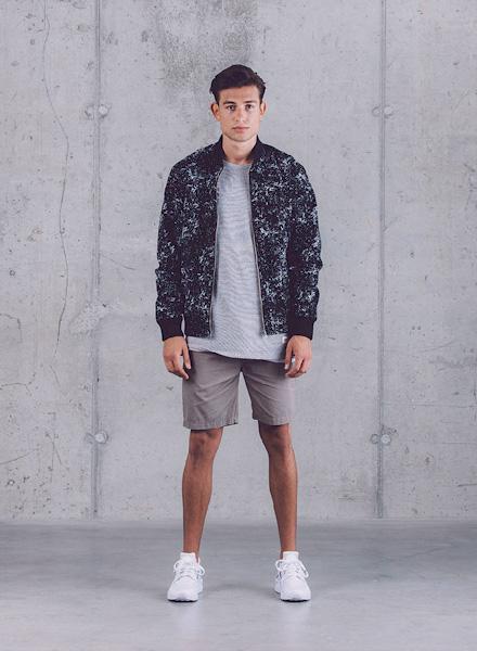 Wemoto – pánský bomber – černý s bílým vzorem (textura horniny), pánské šortky – jaro/léto 2015