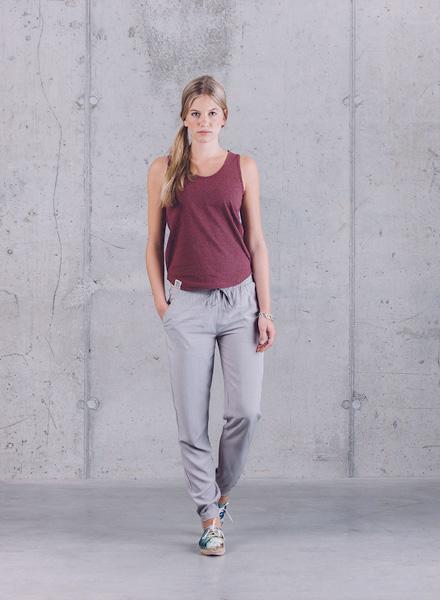 Wemoto – vínové (bordó) tílko – dámské, joggers kalhoty šedé – dámské – jaro/léto 2015