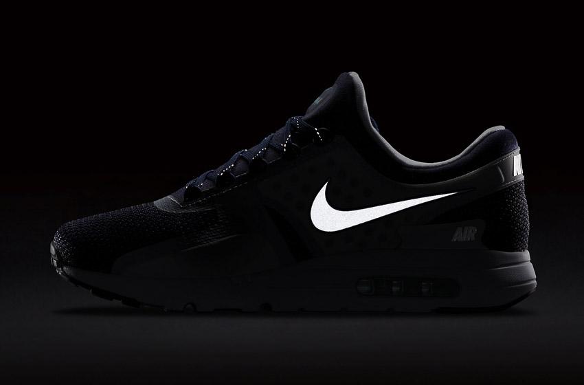 Nike Air Max Zero — reflexní prvky, boční pohled
