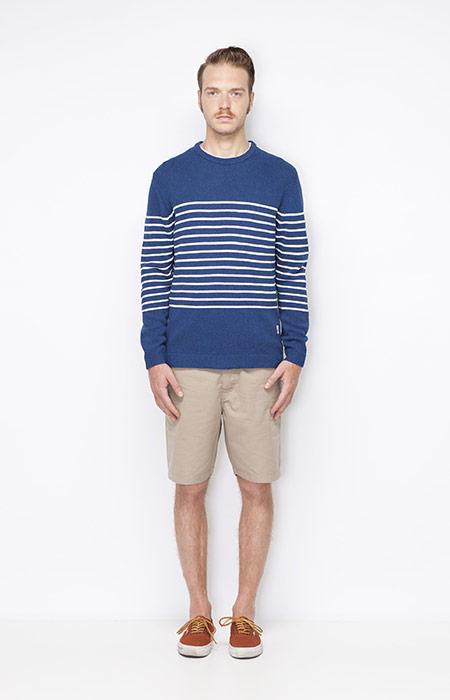 Ucon Acrobatics – modrý svetr s bílými proužky – pánský, khaki šortky – pánské – oblečení jaro/léto 2015