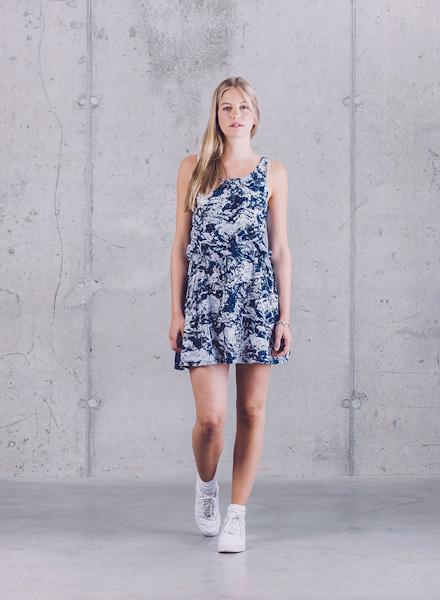 Wemoto – modro-bílé letní šaty – jaro/léto 2015