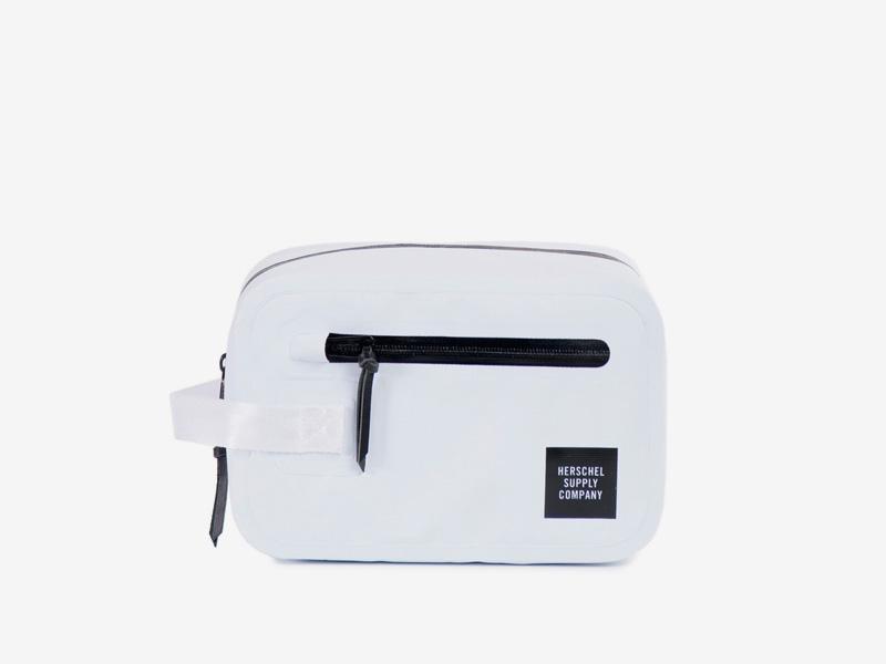 Herschel Supply Studio – bílá toaletní taštička – Chapter Toilet Bag