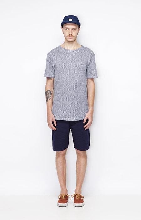 Ucon Acrobatics – šedé tričko pánské, tmavě modré šortky – pánské – oblečení jaro/léto 2015