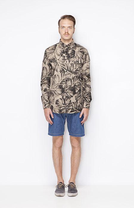 Ucon Acrobatics – pánská košile s dlouhým rukávem a rostlinným vzorem – Monstera, jeansové šortky – pánské – oblečení jaro/léto 2015