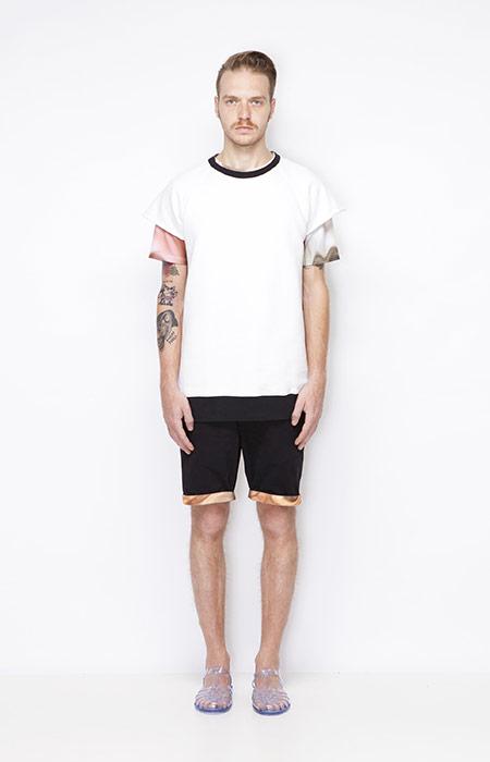 Ucon Acrobatics – pánské bílé tričko, černé šortky se vzorovaným vrubem – oblečení jaro/léto 2015